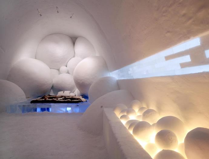"Art suite ""CHange of State"" by Daniel Rosenbaum & Dylan Pillemer, 2005 Photo: Hakan Hjort"