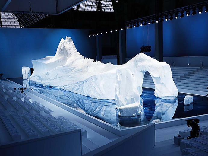 Authentic ice & snow iceburg for Chanel A/W fashion show,2010  Photo: Jan Jordan