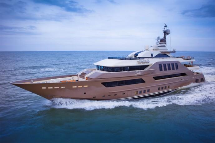 crn-mega-yachts-jade-1