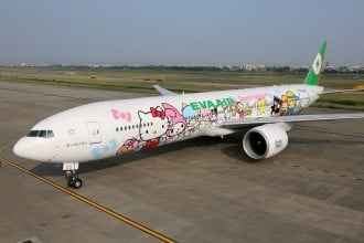 eva-air-hello-kitty-1