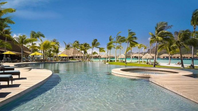 four-seasons-borabora-pool