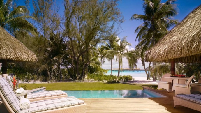 four-seasons-borabora-villa-pool