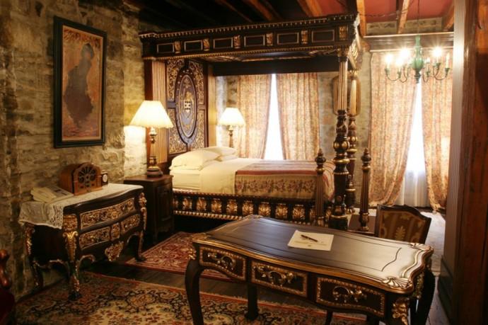 hotel-pierre-du-calvet