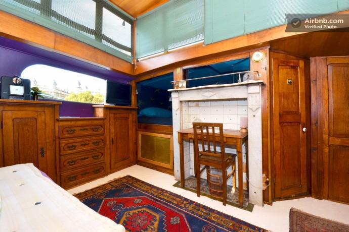 houseboat-eiffel-tower-2