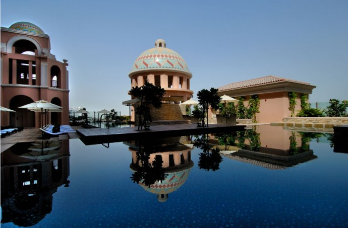 kempinski-hotel-mall-of-the-emirates-pool-1
