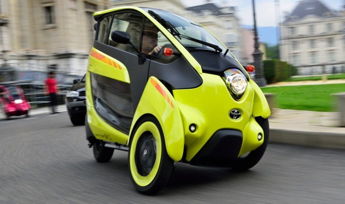 Toyota Brings Three Wheeled I Road Evs In France For Trials