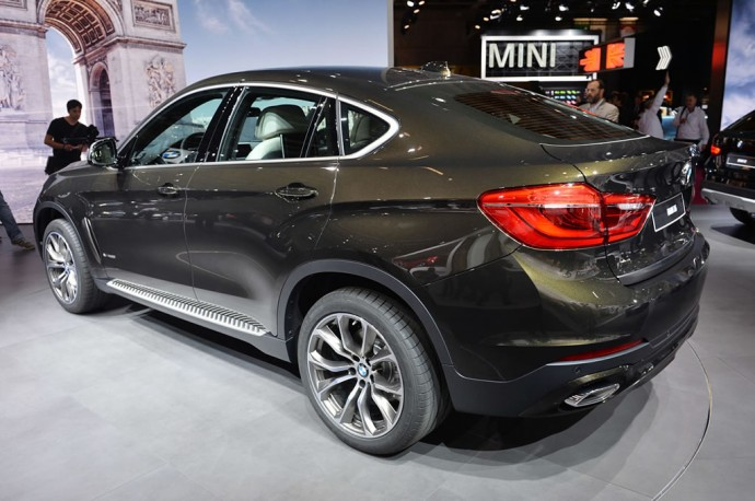 2015-bmw-x6-paris-2