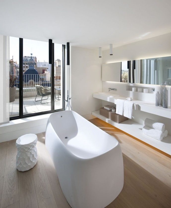 barcelona-2014-suite-terrace-suite-bathroom-2
