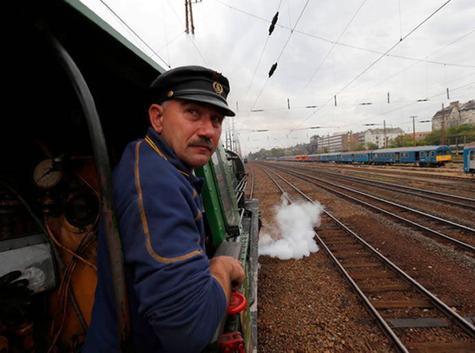budapest-tehran-luxury-train-1