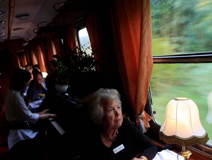 budapest-tehran-luxury-train-4