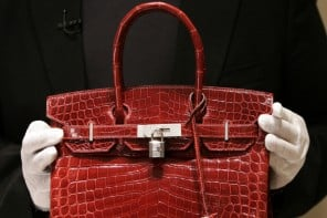 "Customers return $20,000 Birkin bags, claiming they ""smell like marijuana"""