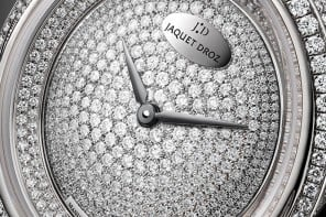 Jaquet Droz Lady 8 Shiny is a piece of jewelry for your wrist