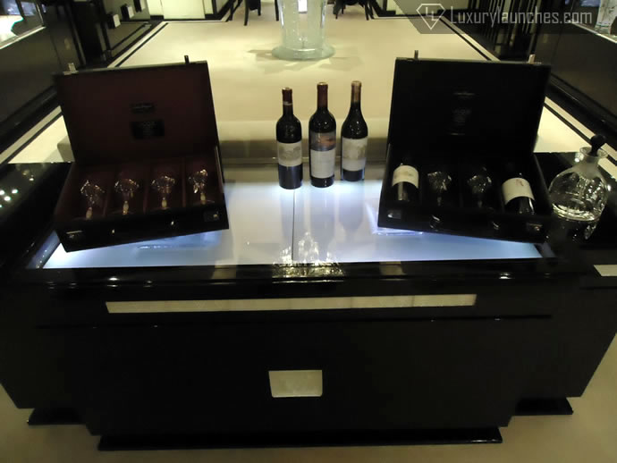 The briefcases as presented in the boutique