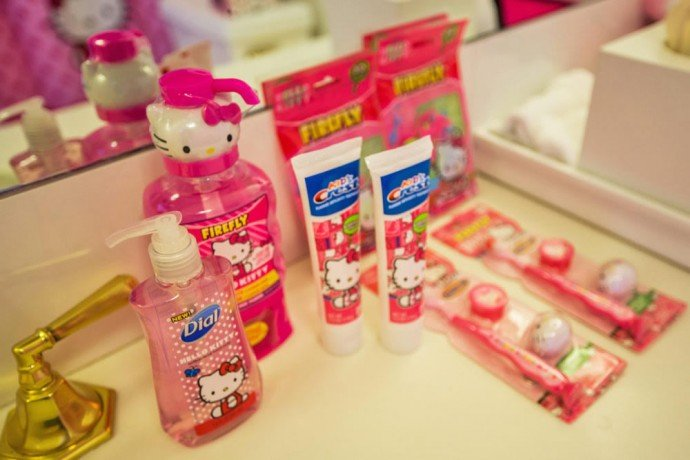 line-hotels-hello-kitty-suite-23