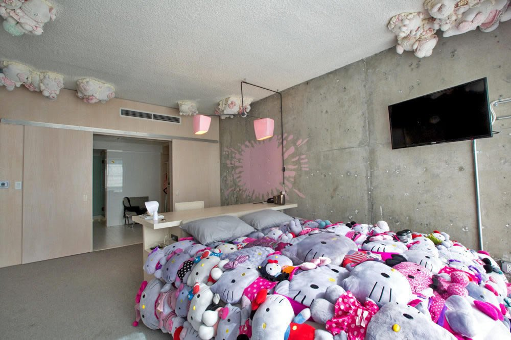 Hello Kitty Themed Hotel Rooms