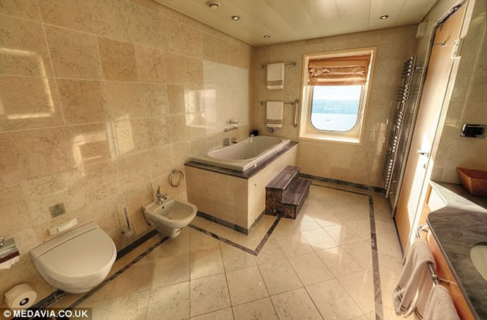 most-luxurious-cruise-ship-cabin-2