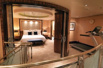most-luxurious-cruise-ship-cabin