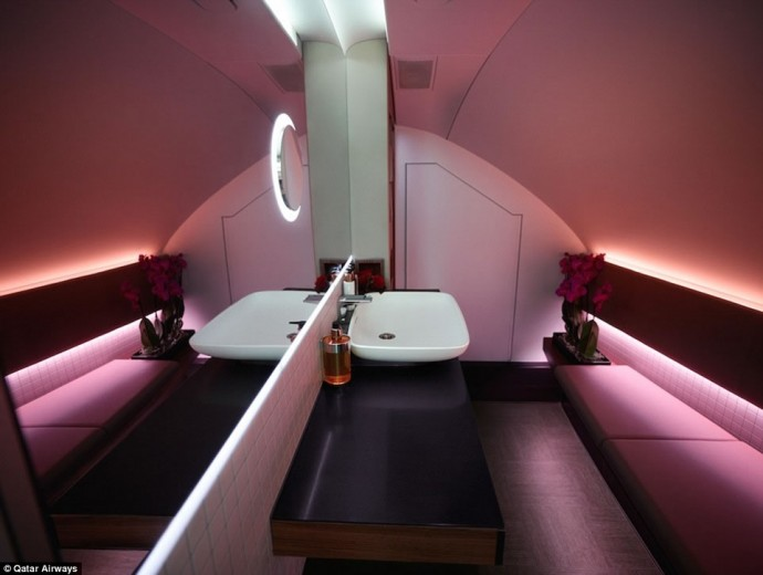 qatar-airways-a380-first-class-suite-5
