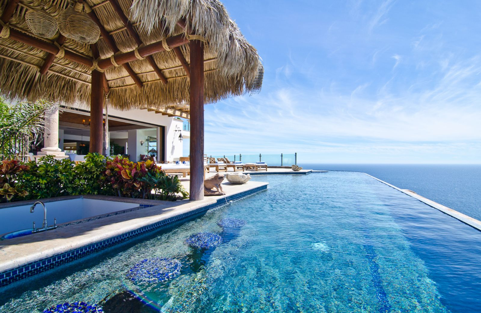 the 10 best infinity pools in the world according to tripadvisor. Black Bedroom Furniture Sets. Home Design Ideas