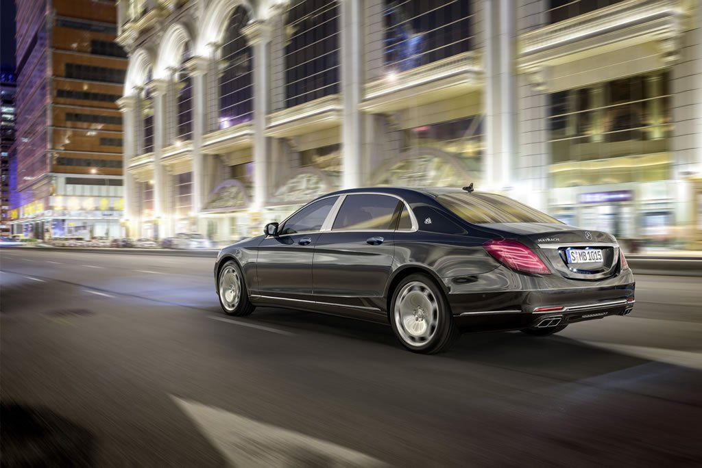 Drum roll please! The oligarch special Mercedes-Maybach S600 is here -