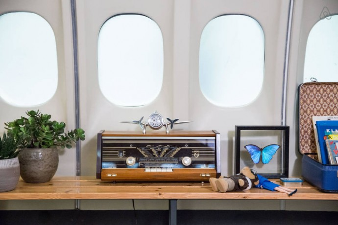 airbnb-airplane-apartment-1