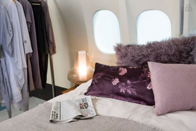 airbnb-airplane-apartment-2