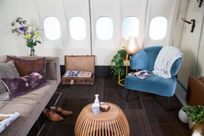 airbnb-airplane-apartment-5