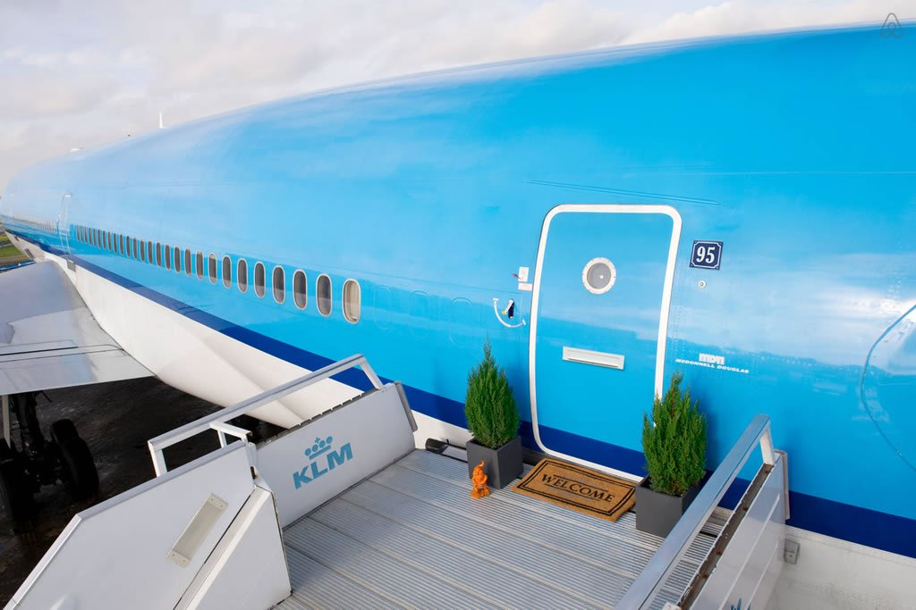 Inside - AirBnb converts a plane into a pop up hotel with private cinema, seven bathrooms and a lot more -