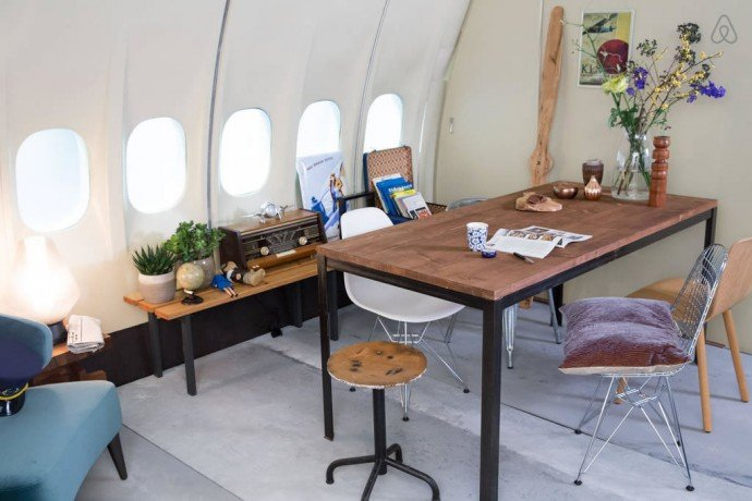 airbnb-airplane-apartment-8