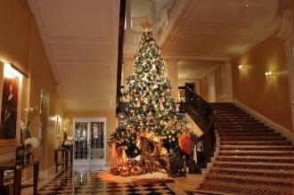 claridges-dolce-and-gabanna-christmas-tree-1