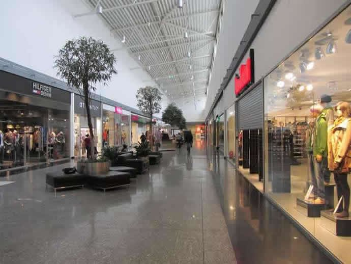 Biggest Malls In Europe Luxurylaunches - Largest malls in usa
