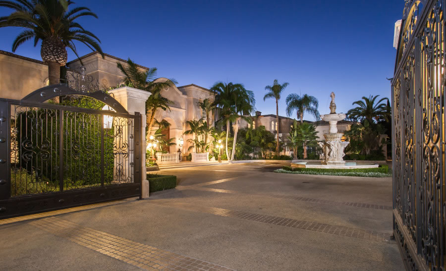 A 195 Million Beverly Hills Estate With Its Own Vineyard