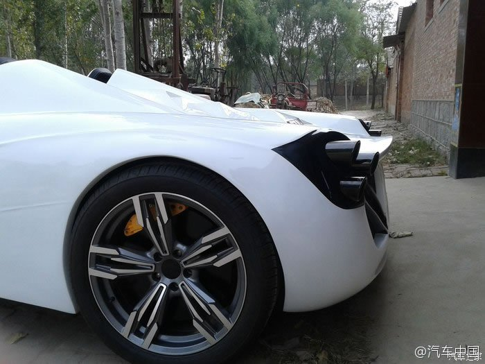 This Made In China Pagani Huayra Roadster Replica Is