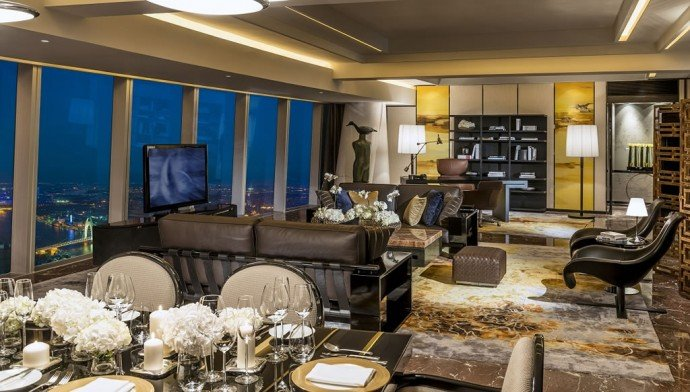 Royal Suite – Living Room