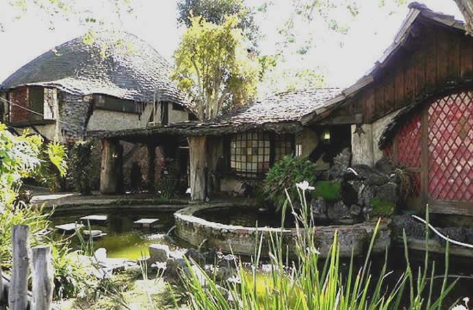 You Can Actually Rent This Luxurious Hobbit Themed House