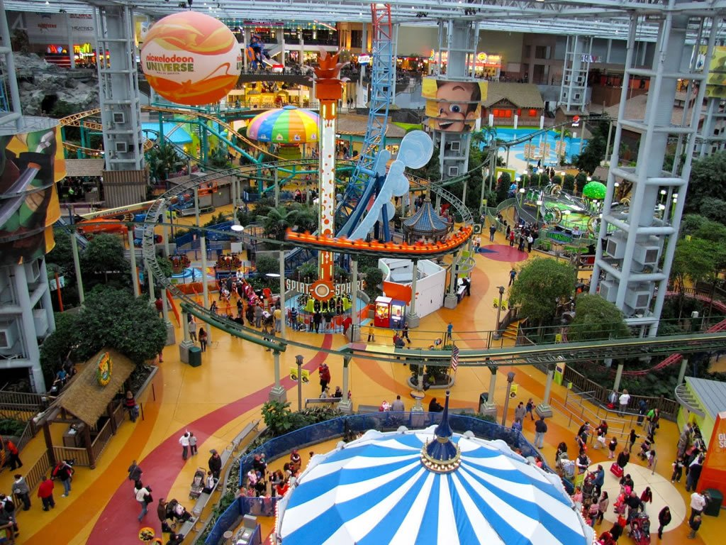 The 10 biggest malls in the usa page 4 of 4 for Best places to visit over christmas in the us