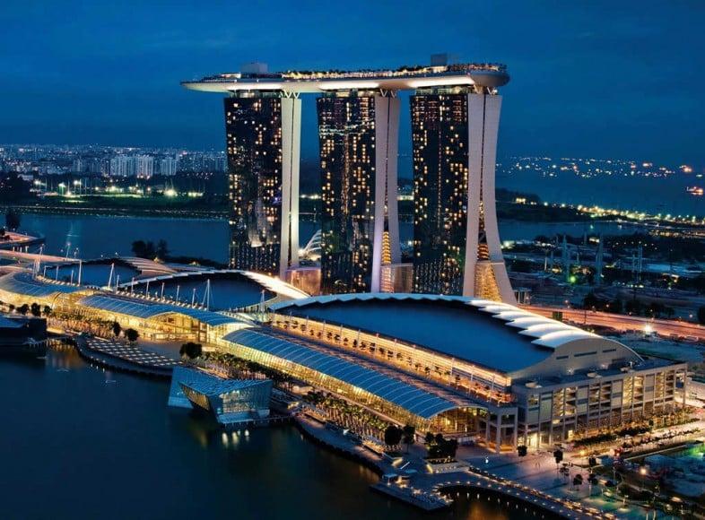 Marina Bay Sands - Bayfront Avenu
