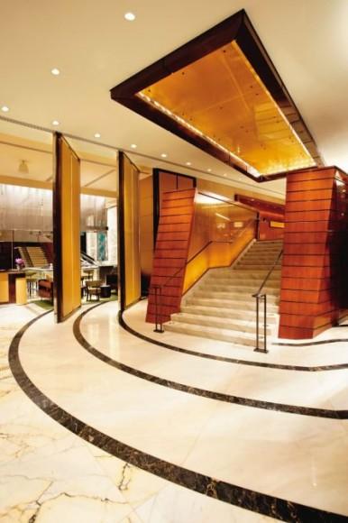 mo-landmark-lobby