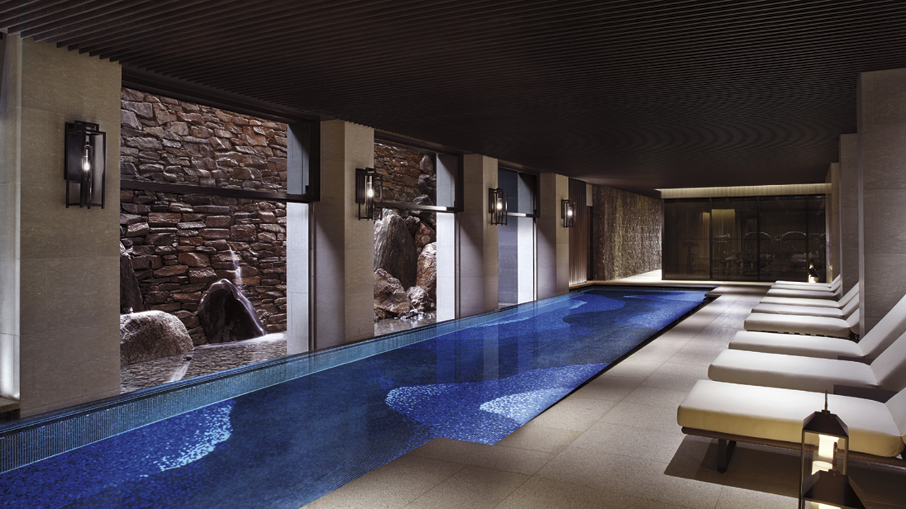 The 15 best luxury hotels that opened in 2014 page 2 of 3 for Hotels in dallas with indoor pools
