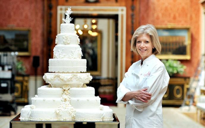 royal-couple-wedding-cake-slice-3
