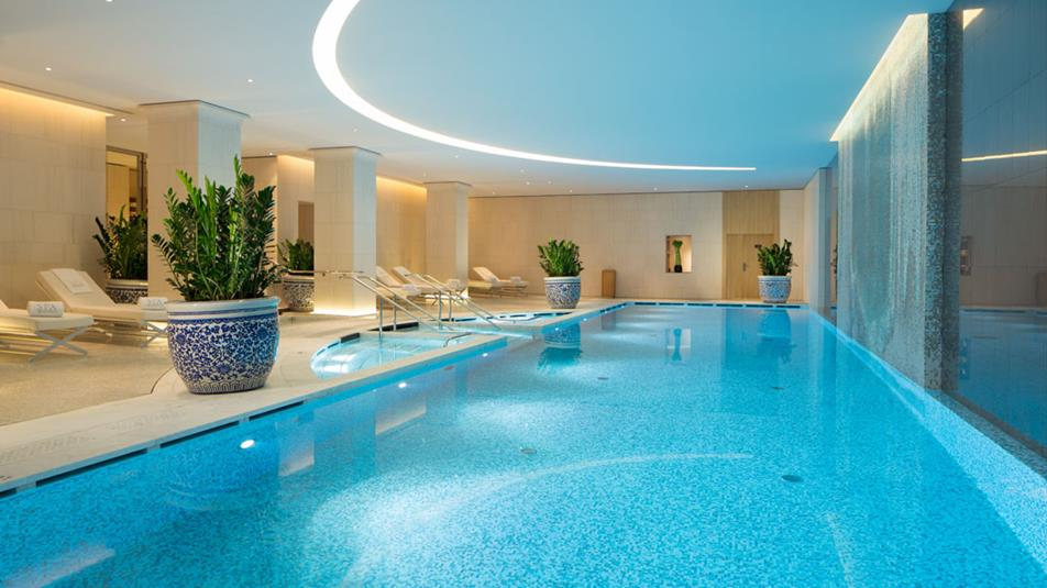 The 15 best luxury hotels that opened in 2014 page 3 of 3 for Hotels in paris with swimming pools