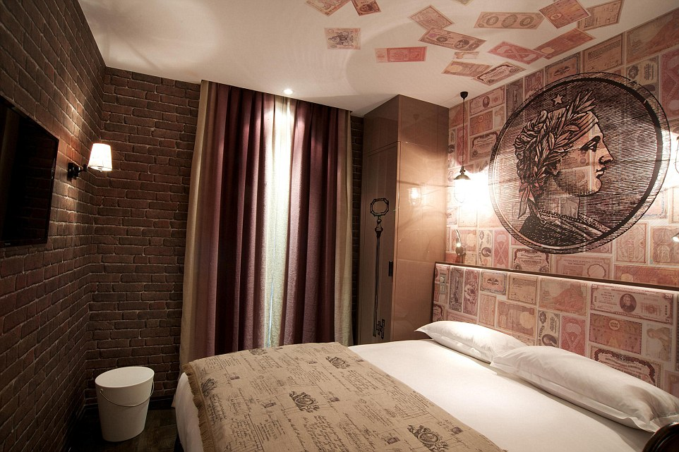 In paris you can now stay in a seven deadly sins themed hotel thanks to ling - Hotel chantal thomass paris 15 ...