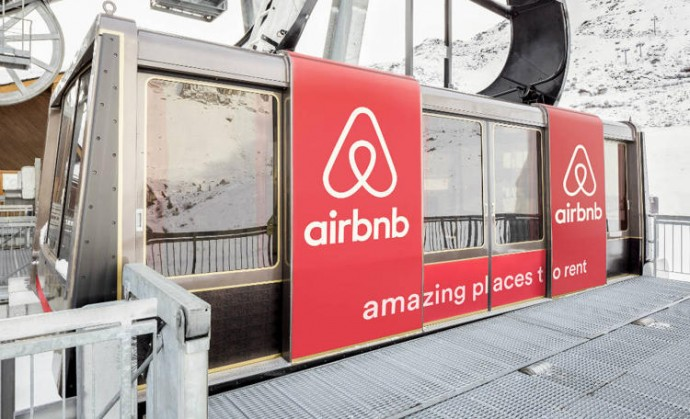 airbnb-cable-car-2