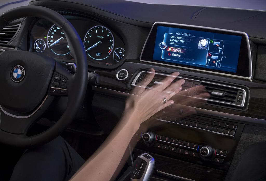 Ces 2015 Next Gen Bmw Idrive Finally Adopts Touchscreen