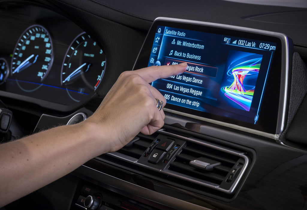 Ces 2015 Next Gen Bmw Idrive Finally Adopts Touchscreen