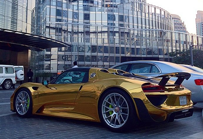 gold-wrapped-porsche-918-2