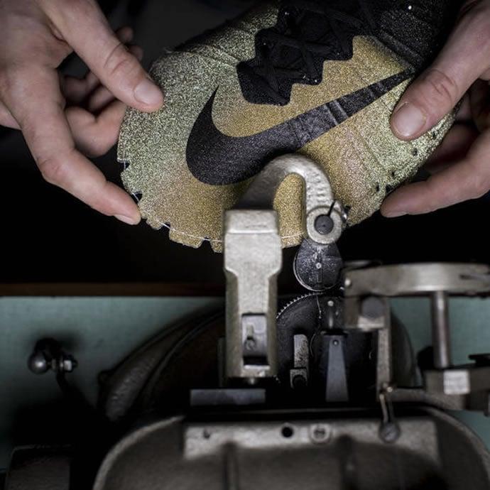 Nike Gifts Christiano Ronaldo Gold And Micro Diamond