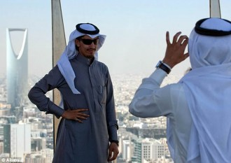 saudi-travelers