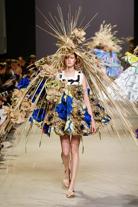 Dutch And Company >> Viktor and Rolf's Spring Couture collection pays a ...