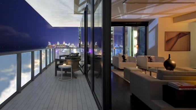 E-Wow Suite Master Balcony